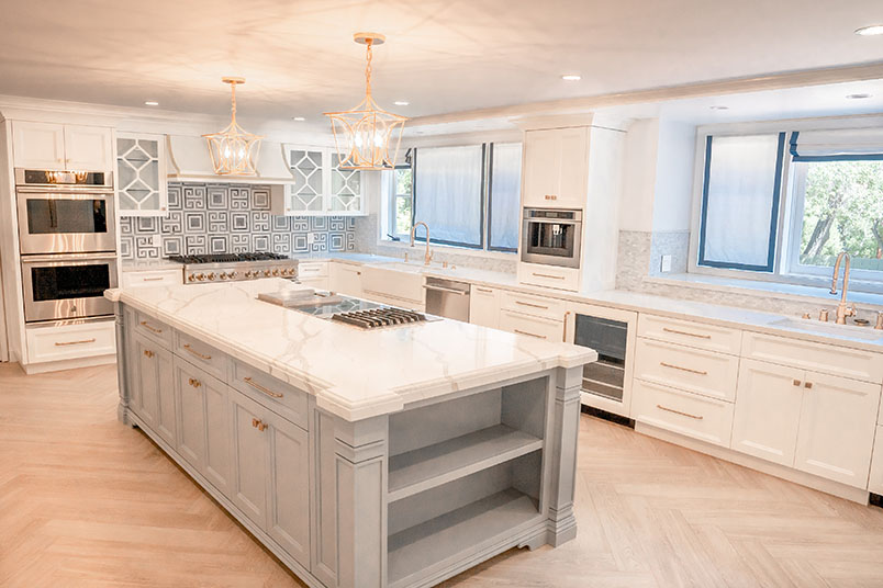 5 Great Cabinetry Details to Make the Most of Your Vintage White Cabinetry